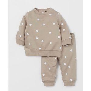 Baby polka dot sweatsuit